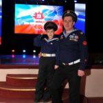 """Руководитель """"Союза военных моряков"""" В.Попов со своим сыном"""